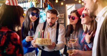 Zu einer gelungenen Feier gehört auch der richtige Wein