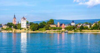Schloss Vaux Sekt: Sekte und Preise der Sektkellerei in Eltville im Rheingau