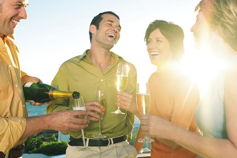 """Izwischen ist Champagner ist das """"In""""-Getränk in ganz Europa. (#5)"""