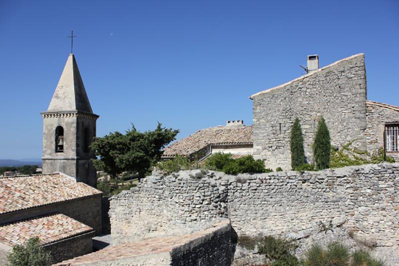 Le Pègue befindet sich in der Nähe von Valréas: Weine der Region dürfen als Côtes du Rhône sowie Côtes du Rhône Villages vermarktet werden. (#4)
