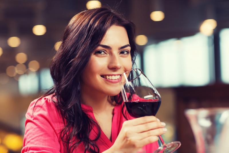 Der überwiegende Teil der französischen Weine aus dem Vaucluse sind aromatische Rotweine. (#2)