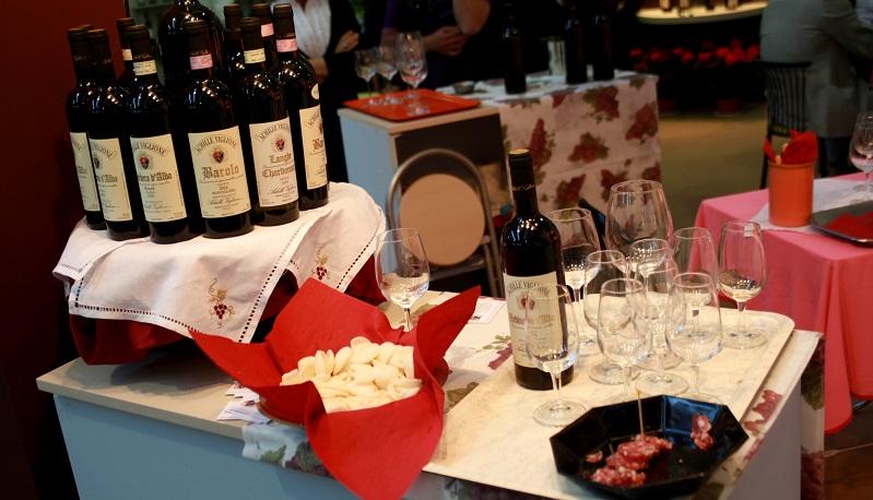 Dass die Landeshauptstadt in Sachen Genuss und edle Weine ebenfalls eine gewichtige Rolle spielt, ist sicherlich klar. Vom 4. bis zum 6. Mai 2018 findet auf dem dortigen Messegelände die größte Besuchermesse für Weine und Delikatessen in Deutschland statt (#01)