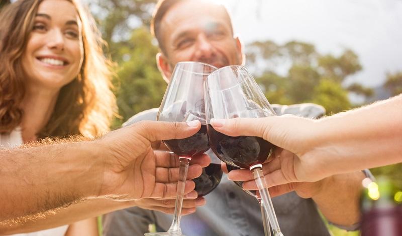 Wer luxuriös speist, erwartet Top-Leistungen. Nicht nur das Menü muss stimmen. Auch der Wein muss harmonieren und unvergessliche Geschmackserlebnisse erzeugen. (#4)