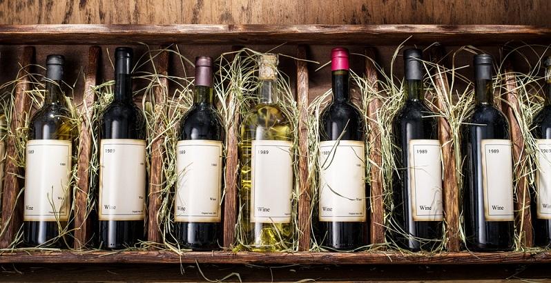 Wenn man sich mit der Rolle des Zuckers bei der Weinherstellung befasst, dann könnte man aufgrund des süßen Geschmacks des Traubensafts auf die Idee kommen, dass dieser Stoff bereits von Natur aus enthalten ist.