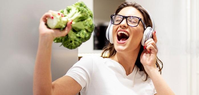 Frischen Brokkoli zubereiten: so bleibt er grün!