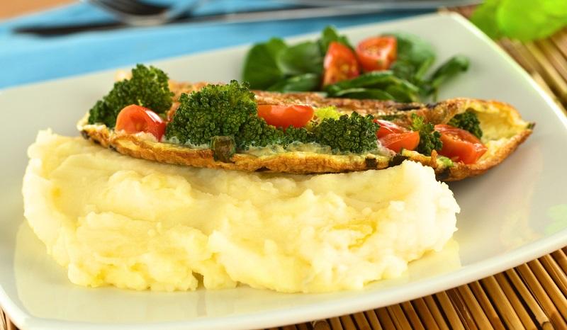 So gelingt ein cremiges Kartoffelpüree, auf die Ernährung sollte man dabei lieber nicht achten müssen. Aber es schmeckt! (#03)